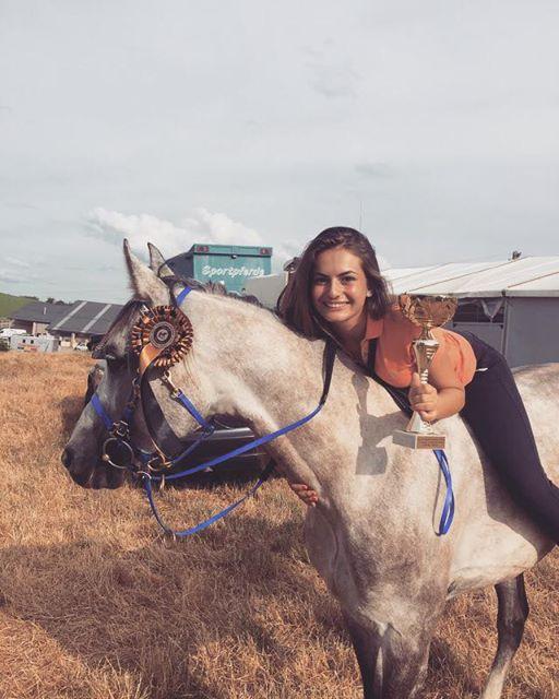 Vanessa Cristea din Buftea, campioană națională la anduranţă ecvestră ! Cum ne premiem campionii naționali?