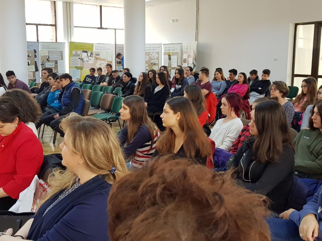 """Liceul Tehnologic """"Dumitru Dumitrescu"""" împotriva extremismului de dreapta"""