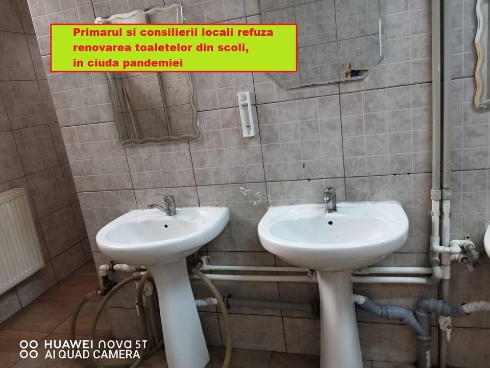 Primarul și consilierii locali refuză modernizarea toaletelor, in ciuda pandemiei