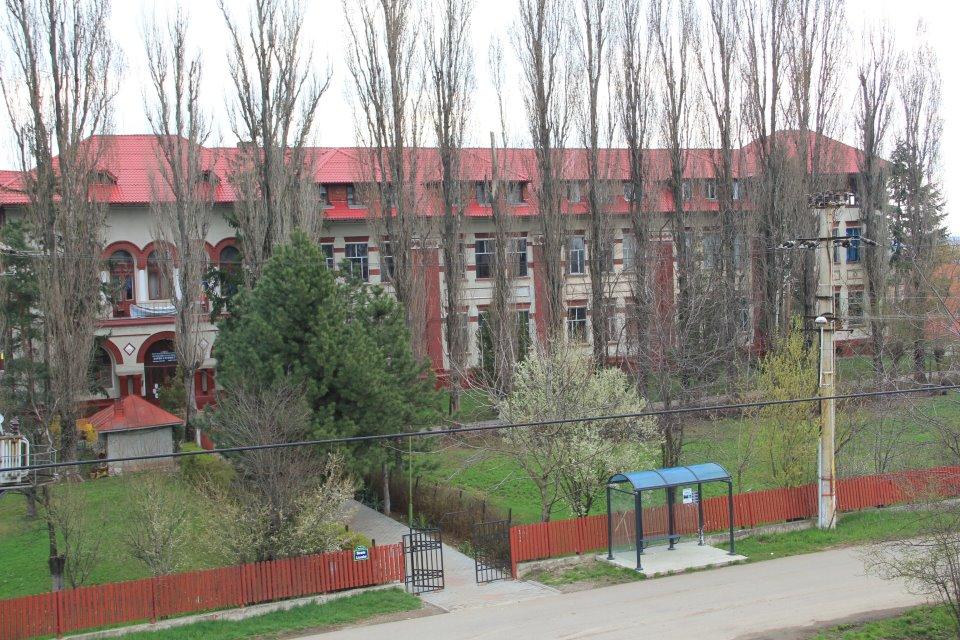 Pistol propune desființarea Liceului Barbu Știrbey și transformarea lui in Tribunal!